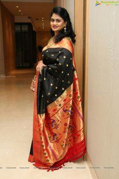 Tussar Silk Saree, Pure Silk Sarees, Traditional Silk Saree, Traditional Dresses, Indian Dresses, Indian Outfits, Bollywood, Silk Saree Blouse Designs, Saree Photoshoot