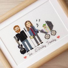 This cute musical family have their cotton anniversary today! I hope the husband will love his gift.I really love guitar, tambourine and microphone here!And baby's blanket is cute too.☺  I'll show some close ups.