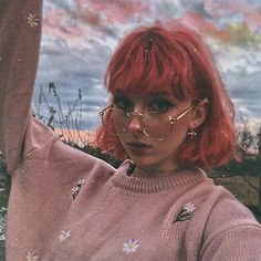Aesthetic People, Aesthetic Hair, Pretty People, Beautiful People, Photographie Portrait Inspiration, Red Hair Color, Cute Makeup, Grunge Hair, Tumblr Girls