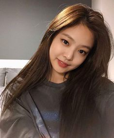 BlackPink 블랙핑크 : Jennie 제니 😝 # : V Live Broadcast Blackpink Jennie, Girl Celebrities, Celebs, Korean Girl, Asian Girl, Rapper, Blackpink Jisoo, K Pop, Models