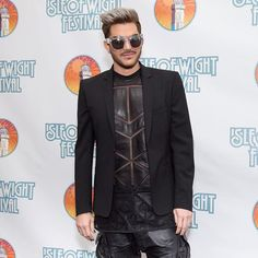 #adamlambert poses for photographers at @isleofwightfest / @gettyentertainment #wireimage #queen