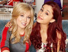 "Ariana Grande and Jennette McCurdy on the set of ""Sam and Cat"" Ariana Grande Cat, Ariana Grande Pictures, Jennette Mccurdy, Icarly, Sam And Cat Episodes, Sam E Cat, Divas, Ella Anderson, Nickelodeon Shows"
