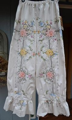 Prettiest bloomers ever! Shabby Chic Outfits, Ropa Shabby Chic, Vintage Outfits, Boho Outfits, Boho Chic, Vintage Fashion, Grunge Outfits, Mori Girl, Girl Japanese