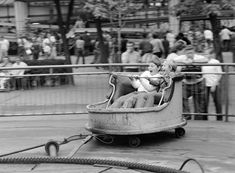 Retro Kids, Budapest Hungary, Old And New, Old Photos, Baby Strollers, Retro Vintage, The Past, Park, History