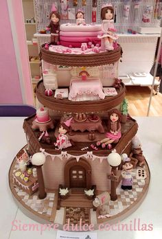 Tarta Casita de muñecas. Dollhouse. https://www.facebook.com/media/set/?set=a.826043374085730.1073741866.544819635541440&type=3