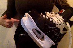 3 long sleeved woollen thermals, long woollen thermal pants, ski pants, ice hockey skates with ski socks. Ski Pants, Yoga Pants, Air Max Sneakers, Sneakers Nike, Ski Socks, Body Shapes, Nike Air Max, Snowshoe
