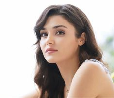 Cute Beauty, Beauty Full Girl, Beauty Women, Turkish Beauty, Indian Beauty, Actrices Hollywood, Hande Ercel, Cute Girl Face, Stylish Girl Pic