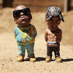 Funny pictures about Biggie Smalls And Tupac Garden Gnomes. Oh, and cool pics about Biggie Smalls And Tupac Garden Gnomes. Also, Biggie Smalls And Tupac Garden Gnomes photos. Arte Do Hip Hop, Hip Hop Art, Cultura Pop, Biggie Smalls, Love N Hip Hop, Hannibal Lecter, Tupac Shakur, Gnome Garden, 3d Character