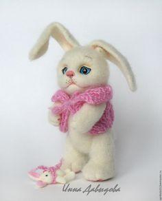 Купить Валяная игрушка зайка Маняша. Игрушка из шерсти. - белый, пушистый, зайка, валяная игрушка