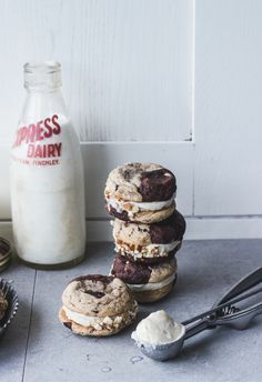 Chocolate & Vanilla Marble Cookies Sandwiched w Malted Vanilla Browned Butter Gelato ♥