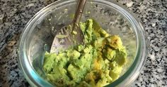Make an avocado hair mask ideal for dry hair #styled247 #AvocadoHair Skin Care Regimen, Skin Care Tips, Avocado Hair Mask, Oil Free Makeup, Lots Of Makeup, Young And Beautiful, Dry Hair, Good Skin, Healthy Skin