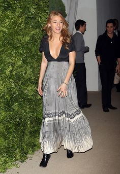 Blake Lively attends the 5th Anniversary of the CFDA/Vogue Fashion Fund at Skylight Studios on November 17, 2008 in New York City. (Photo by Scott Gries/Getty Images) * Local Caption * Blake Lively
