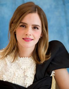 - Emma Watson - Beauty & The Beast Press Conference at the Montage Hotel in Beverly Hills - March 2017 - 3 of 10 Style Emma Watson, Emma Watson Sexy, Matthew Crawley, Most Beautiful Hollywood Actress, Beautiful Actresses, Dan Stevens, Girl Next Door, Emma Love, Daniel Radcliffe