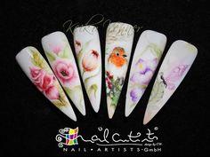 #watercolour #nailart #nail #design #flower #acrylic #painting #onestroke @keikovennernailartists www.nail-artists-academy.co.uk