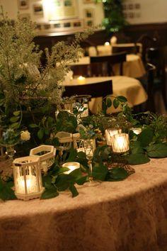 シェ松尾青山サロン様の装花 ブルースターとクリスマス メモリアルテーブル