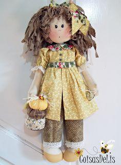 Minha Mel. Projeto da Casinha De Bonecas( Claudia Figueiredo)  https://www.facebook.com/coisasdelis/?ref=tn_tnmn