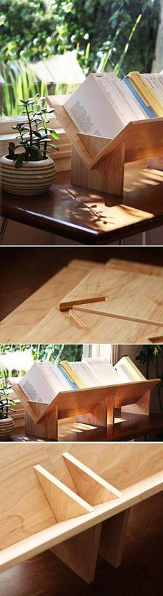 Оригинальная полочка для книг