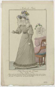 Anonymous | Petit Courrier des Dames, 1824, No. 213 : Robe en ecorie unie ornée..., Anonymous, Dupré (uitgever), 1824 | Vrouw gekleed in een japon van effen 'ecorie' versierd met franjes. Onderjurk versierd met een ruche van 'velans'(?). Ceintuur met een gesp van edelstenen in de vorm van een strik. Hoed van crêpe versierd met bloemen en een fichu van zijden Blonde (kloskant), van de winkels van  Mure.  Rechts een zittende vrouw, op de rug gezien, gekleed in eenzelfde japon. Prent uit het…