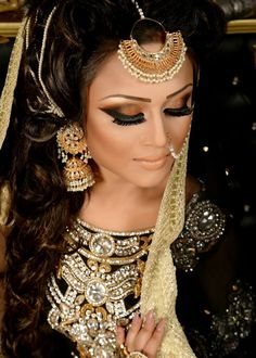 Wow. Absolutely love her makeup! | Makeup by Naeem Khan