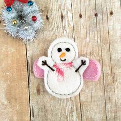 Snowman Felt embroidery hair clip, felt hair clip, baby hair clip, girl hair clip / Christmas hair clip . by soCuties on Etsy