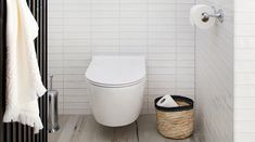 Ariadne at Home toilet