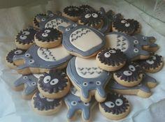 totoro and sprites cookies. More totoro madness :) Totoro, Cupcakes, Cupcake Cakes, Tasty, Yummy Food, Cookie Designs, Cute Food, Dessert Bars, Sugar Cookies