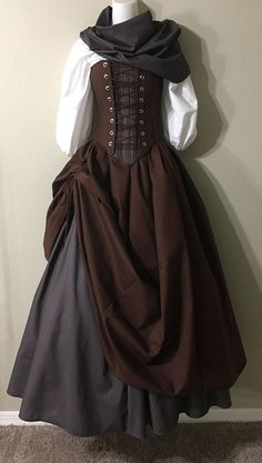 Outlander Lass - Fraser Clan Tartan Plaid Source by ideas drawing Renaissance Dresses, Medieval Dress, Renaissance Costume, Medieval Costume, Medieval Fashion, Medieval Clothing, Gypsy Clothing, Historical Clothing, Old Fashion Dresses