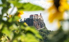 Riegersburg -Tourismus - URLAUB & GENUSS in der Oststeiermark - Österreich - rund um Graz Monument Valley, Mount Rushmore, Mountains, Places, Bauhaus, Castles, Trench, Forts, Road Trip Destinations