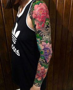 Japanese tattoo sleeve by 4 Tattoo, Body Art Tattoos, Cool Tattoos, New Tattoos, Fake Tattoos, Tattoos Pics, Samoan Tattoo, Polynesian Tattoos, Tattoo Images