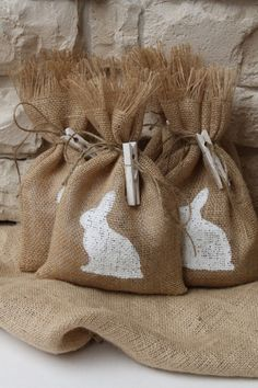"""Want to do this for my family's """"Ladies Gift Exchange."""" Where do I buy the burlap? Easter Projects, Easter Crafts, Easter Decor, Easter Ideas, Spring Crafts, Holiday Crafts, Easter Gift Bags, Burlap Gift Bags, Hessian Bags"""