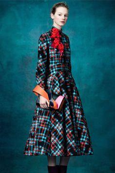 http://www.vogue.com/fashion-shows/pre-fall-2017/delpozo/slideshow/collection