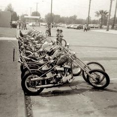 BOBBERS & CHOPPERS | @bobbersnchoppers ⚡️TAG US: #bobbersnchoppers #chopper #choppers | CHOPPERS | Spread of old school choppers...