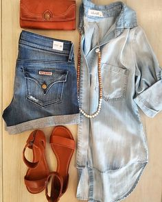Denim on denim, oh yes!! @belladahl classic split back button up, @hudsonjeans croxley  denim short, and a pop of cognac with @thefryecompany leather accessories! Get $50 off when you spend $250!  #ootd #southernoregon #denimondenim #hudsonshorts #chambray #fryesandals #cognacleather #spring #springcolors #style #fashion #fashionista #urbanminx