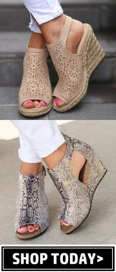 Women's Shoes Landscaping Ideas For the person who wants to give their garden a face lift they have Cute Sandals, Cute Shoes, Me Too Shoes, Wedge Sandals, Love Fashion, Fashion Shoes, Fashion Accessories, Shoe Closet, Shoe Boots
