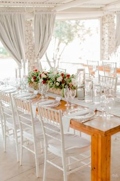 Rustic Romantic Wedding | SouthBound Bride | http://southboundbride.com/rustic-romantic-wedding-at-bell-amour-by-clareece-smit | Credit: Clareece Smit