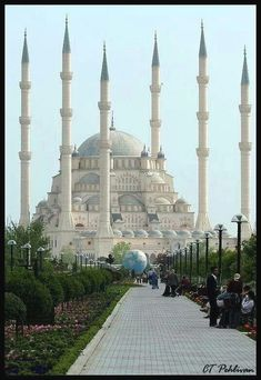 The Blue Mosque in Istanbul - Turkey.I got to vis. - The Blue Mosque in Istanbul - Turkey. Places Around The World, Oh The Places You'll Go, Travel Around The World, Places To Travel, Places To Visit, Around The Worlds, Beautiful Mosques, Beautiful Buildings, Wonderful Places