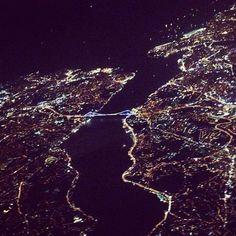 Best view ever!!! East meets west at #bosporous #istanbul #istanbulbogazi #avgeeks #aviation #travelpics #pictureoftheday #turkey #turkish #travelblogger #travel