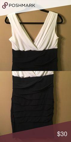 📦MOVING SALE! Colorblock Dress Wonderful formal dress, off white/deep navy Intermission Dresses Midi
