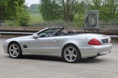 Mercedes-Benz R 230