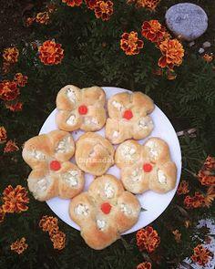 τυροπιτάκια Greek Appetizers, Pancakes, Muffin, Cookies, Breakfast, Desserts, Food, Crack Crackers, Morning Coffee
