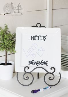 Serving Plate Note Board -Last Minute Mother's Day Gift Idea Mothers Day Presents, Silhouette Cameo Projects, Christmas Gift Wrapping, Cricut Creations, Vinyl Crafts, Decorating On A Budget, Creative Gifts, Craft Fairs, Crafts To Make