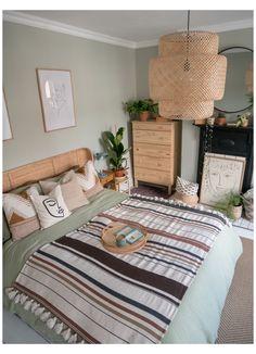 Green Bedroom Walls, Sage Green Bedroom, Green Rooms, Room Ideas Bedroom, Home Decor Bedroom, Green Bedroom Decor, Green Bedroom Colors, Green Master Bedroom, Sage Green Paint