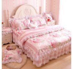 Cheap bed set, Buy Quality floral bed sets directly from China bedding set Suppliers: Romantic Flower Print Bedding Set,Floral Bed Set,Princess Lace Ruffle Duvet Cover King Queen Cottage Shabby Chic, Shabby Chic Mode, Style Shabby Chic, Shabby Chic Decor, French Cottage, Cottage Style, Romantic Bedroom Decor, Shabby Chic Bedrooms, Feminine Bedroom