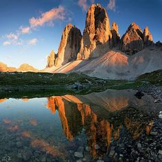 Tre Cime, Sexten - Dolomites - Cortina Italy : did this hike when I was just pregnant with Sam in 2001 Sella Ronda, Places To Travel, Places To See, Voyage Europe, All Nature, Nature Water, Pictures Of The Week, Visit Italy, Places Around The World