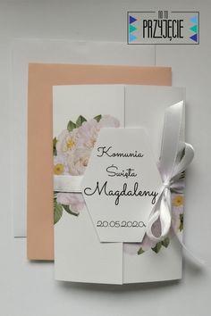 Zaproszenie na Komunię Św. z delikatnymi białymi różami. Eleganckie i zdobne. Place Cards, Place Card Holders, Weddings, Bodas, Wedding, Mariage, Marriage