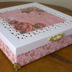Love.. Porta jóias estilo romântico #romântic #portajóias #mdf #maringa #noivasmaringa #casamentosmaringa #madrinhas #decoração #caixascasamentos #caixasdecoradas #caixas #artesanatosmaringa #artesanatos #feitoamão