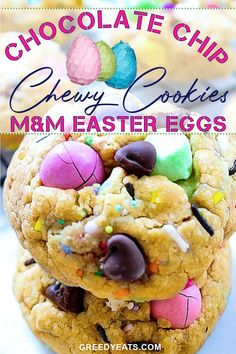 Super thick, oh-so-gooey in the center Soft chewy chocolate chip cookies made with m&m eggs, mini marshmallows, chocolate chips and sprinkles! AKA The MOST perfect Easter cookies! Easy Easter Recipes, Easy Cookie Recipes, Easy Desserts, Sweet Recipes, Dessert Recipes, Vegetarian Desserts, Dessert Ideas, Mini Marshmallows, Chewy Chocolate Chip Cookies