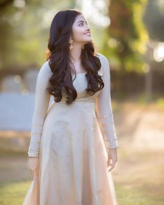 Anupama parameswaran largest image gallery of 200 cutest hot sexy unseen latest collection in which she is with her body show navel and big.