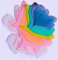 La plasticienne Maud Ventours découpe, agence, superpose des couches de papiers aux couleurs pop et crée d'étonnantes fleurs en relief. Les compositions sont ensuite photographiées, préservant ainsi un subtil jeu d'ombre et de lumière pour un résultat en trompe-l'oeil.