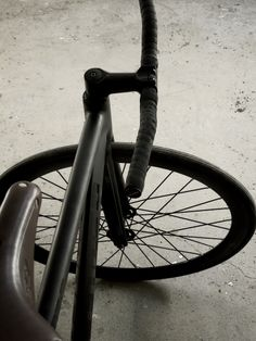 new 725 leader fixed gear bike. flat black